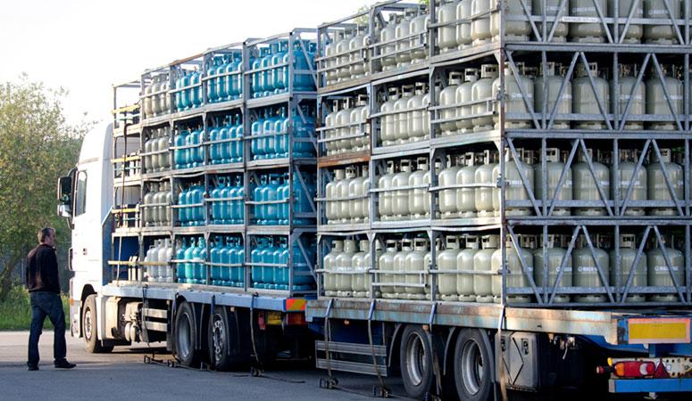 Maco-Gas vrachtwagen met gasflessen
