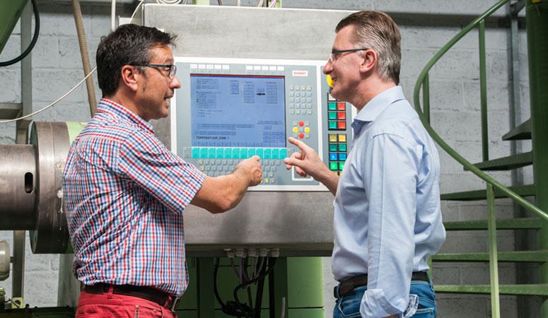 Eddy Govaerts (Govaerts Recycling) en Patrick Gielis (Beckhoff Automation)